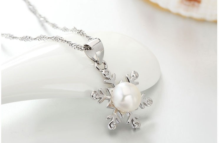 Sweet Snowflake  Sterling Sliver Pearl Necklaces for Women
