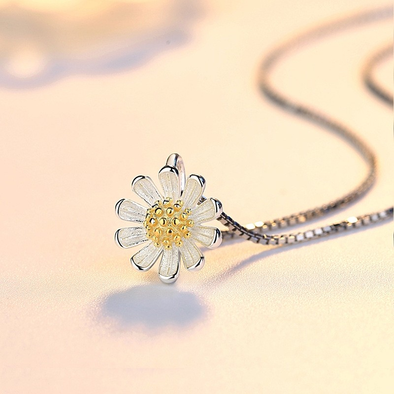 Beautiful Sunflower  Silver Necklaces Best Birthday and Valentine's Day Gift