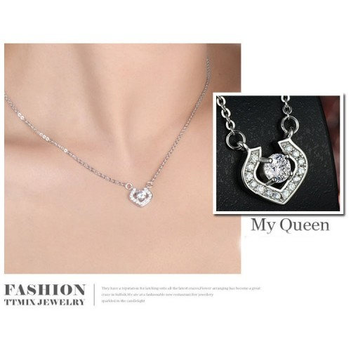 Exquisite Luxury Queen Sterling Silver Necklace Perfect Gift